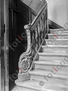Treppe Citadellstraße 17 | Stairway Citadellstreet 17 (foticon-kleesattel-sw-010.jpg)