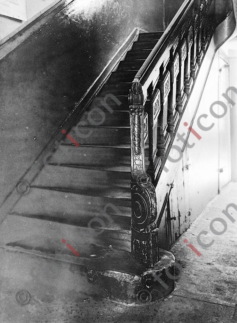 Treppe Ritterstraße 11 | Stairway Ritterstreet 11 - Foto foticon-kleesattel-sw-005.jpg | foticon.de - Bilddatenbank für Motive aus Geschichte und Kultur